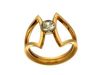 14 Geelgouden ring met Diamant
