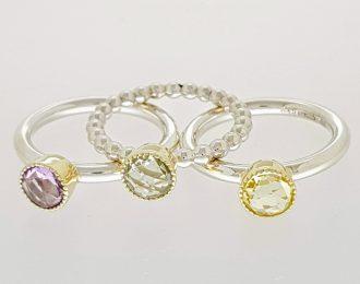 Zilveren ringen met goud en kleurstenen