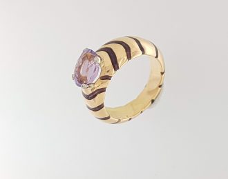 Gouden ring met amethist.