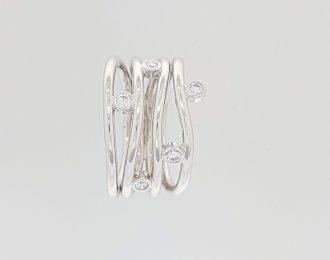 Witgouden ring met 5 diamanten