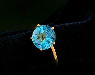 14 Karaat geelgouden ring met Topaas Sky Blue genaamd Penta Topaas