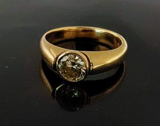 14 Karaat geelgouden ring met champagne diamant