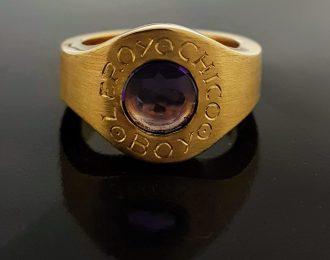 Gouden massieve sigarenbandjes ring met amethist.
