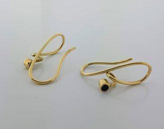 14 karaat gouden oorhangers met saffiertjes