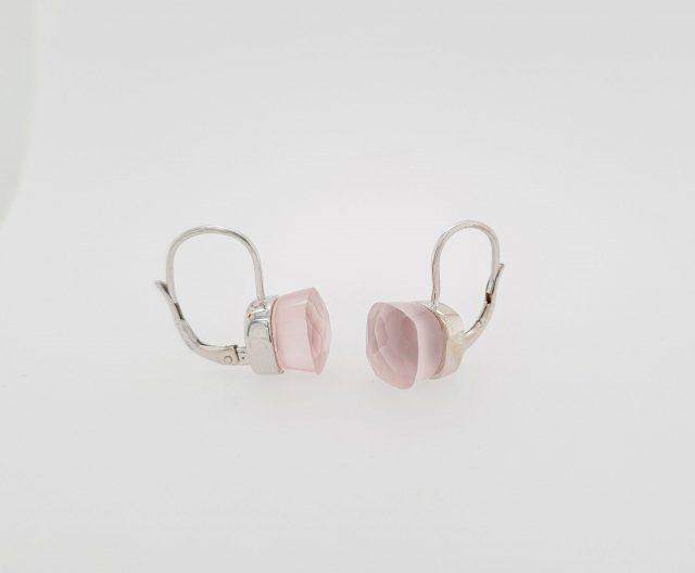 Witgouden oorhangers met rozequarts